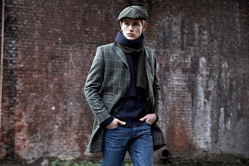 Cool cap with Check Overcoat