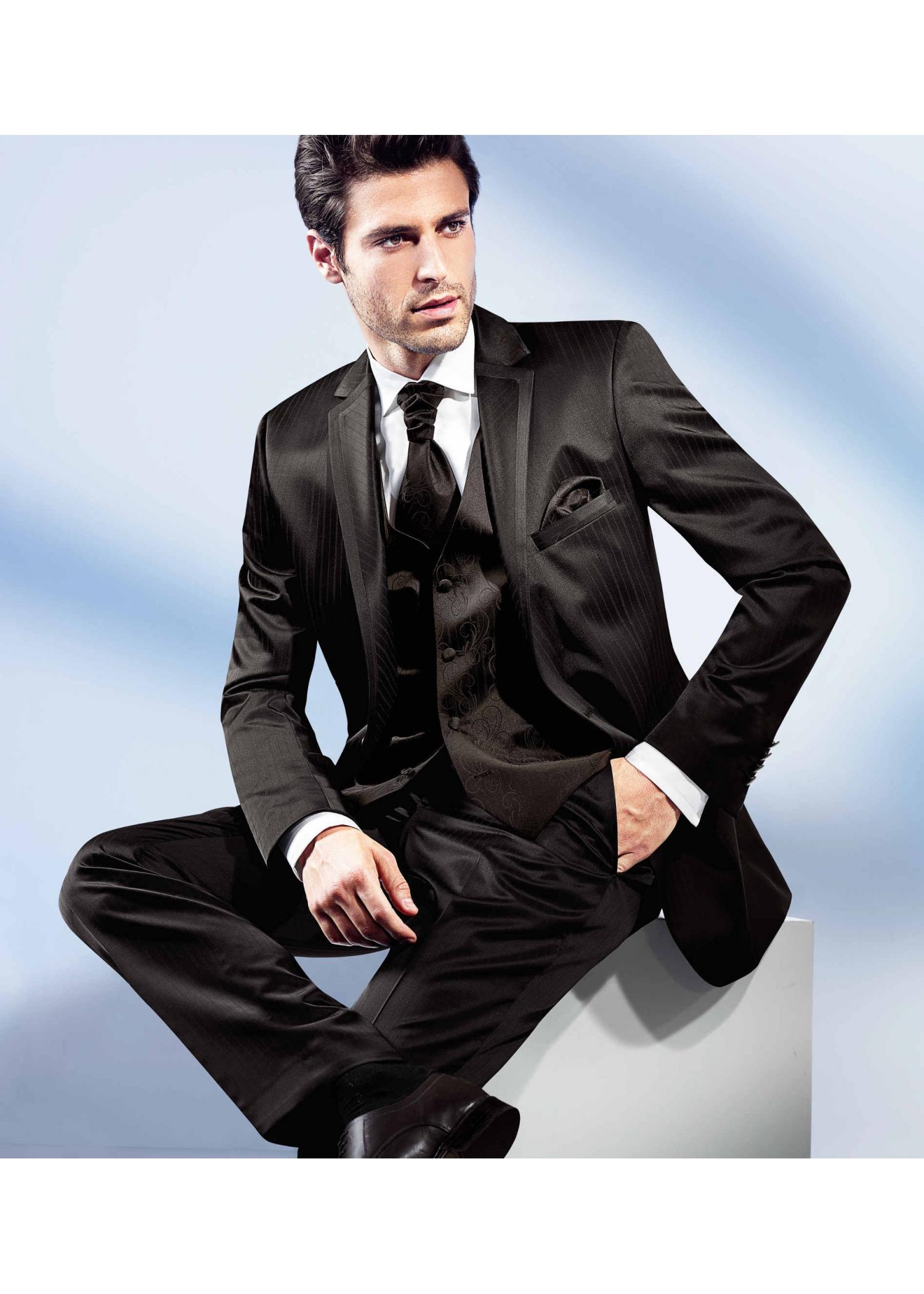 Benetti Suits at Tom Murphy Menswear