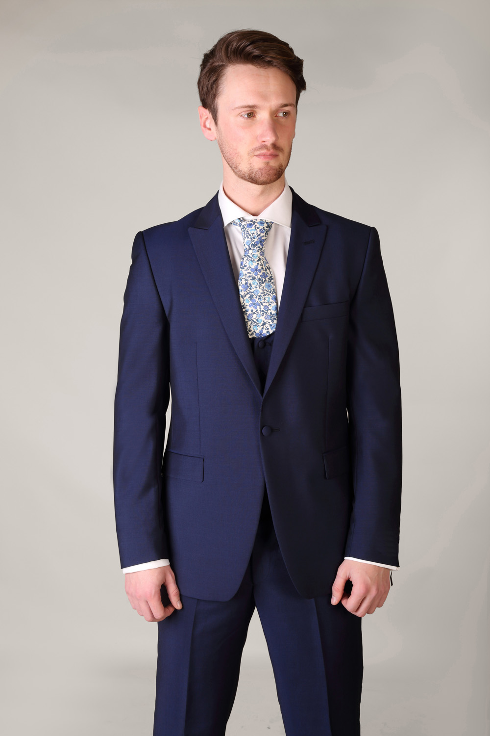 Shop blue suit and waistcoatfrom Fashionmia online store. You can definitely find the blue suit and waistcoatyou are into with big discounts. Now discover blue suit and waistcoat here and start find your own fashion style.