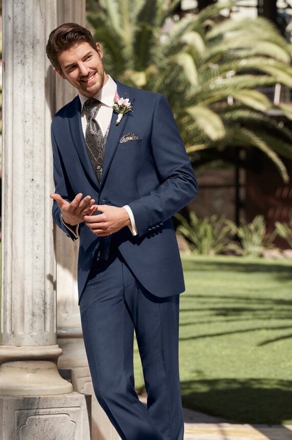 Dark Blue Contrast Suit